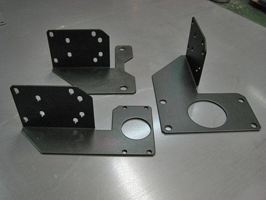 ■バルブメーター取付金具:黒クロメート、t3.2mm