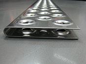 試験機部品:ステンレス、穴あけ絞り加工